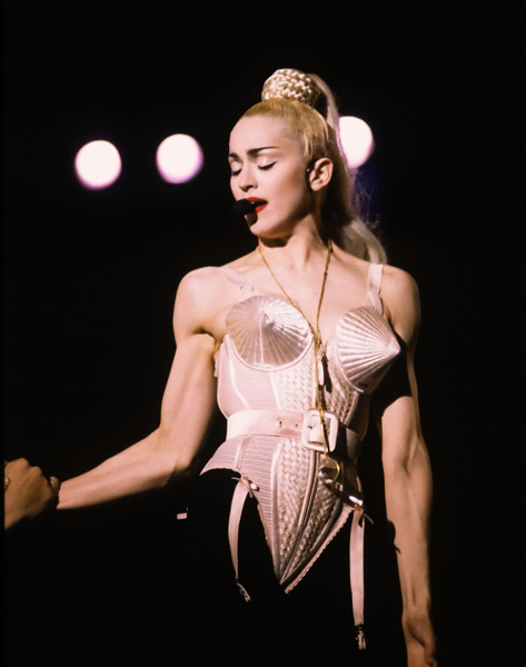 madonna-blond-ambition-tour.jpg