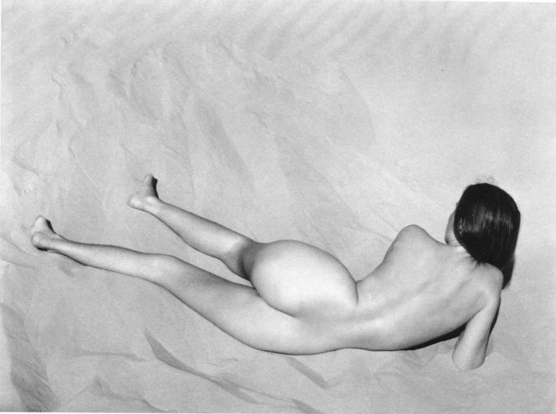 nude-on-sand-edward-weston-nude-12.jpeg