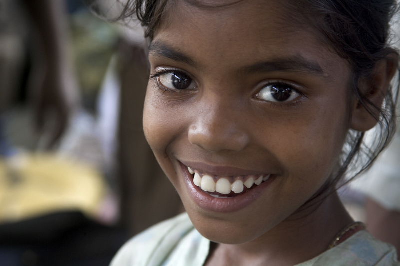 India_-_Delhi_smiling_girls_-_4698.jpg