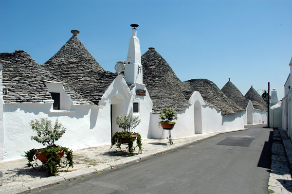 18_Trulli_Holiday_hotel_18.jpg