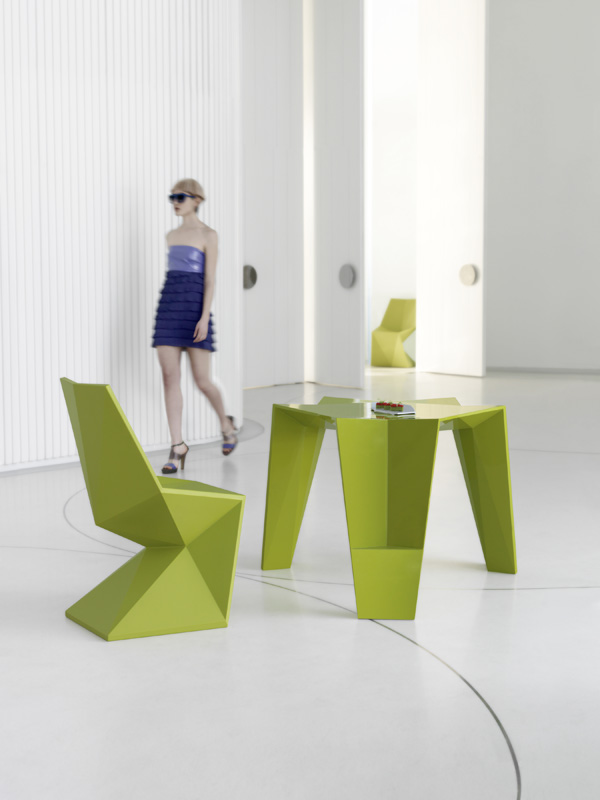 09_VONDOM_Vertex_Dining_Set_09.jpg