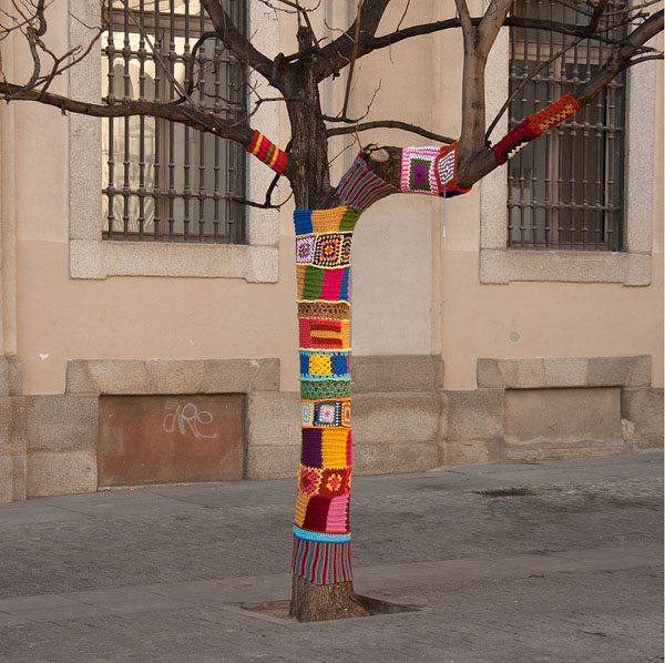 10_Yarn_Bombing_1_10.jpg