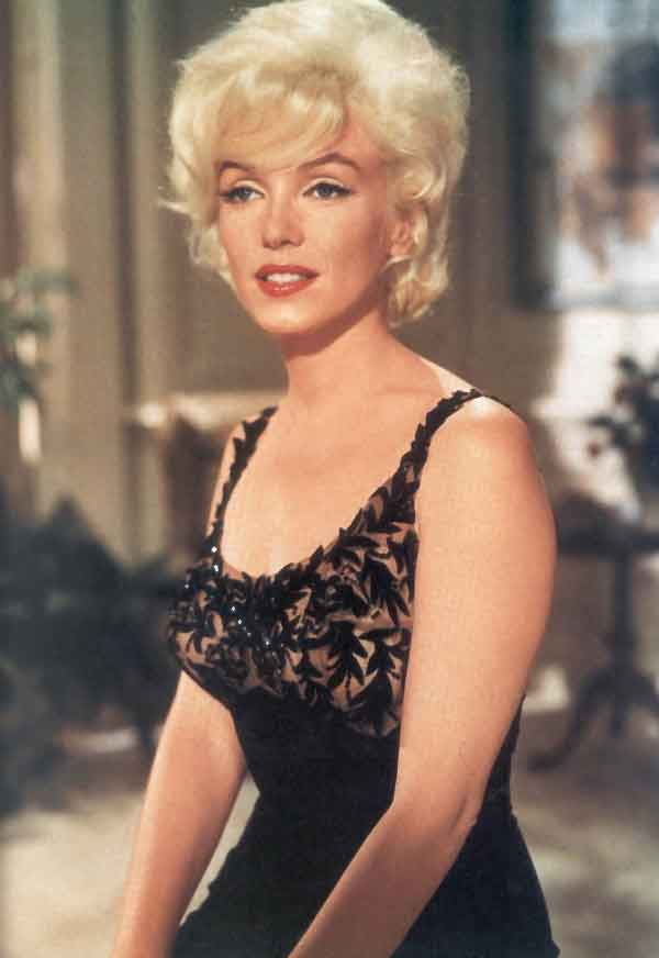 09_marilyn_monroe_in_a_costume_test_for_something_s_got_to_give_09.jpg