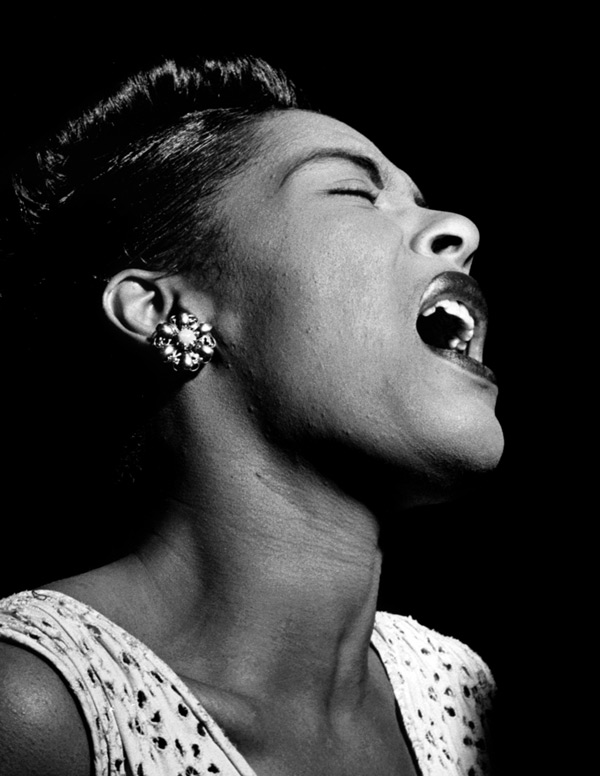 09_Billie_Holiday_Downbeat_New_York_cerca_Fev_1947_09.jpg