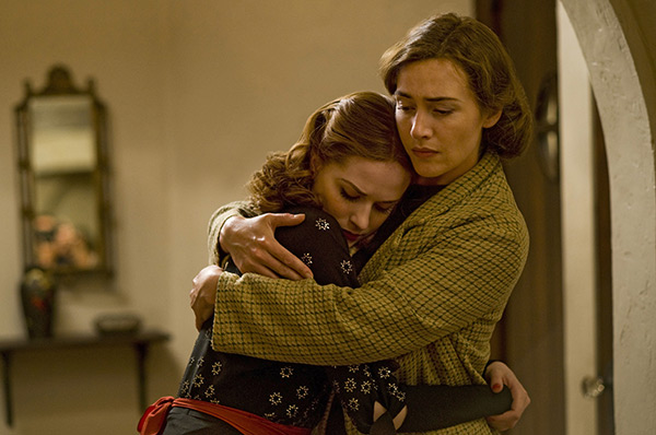 12_kate_winslet_in_mildred_pierce_12.jpg