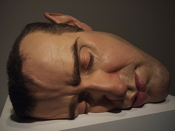 15_Ron_Mueck_Mask_Self_Portrait_fotografia_de_Paul_Lim.jpg