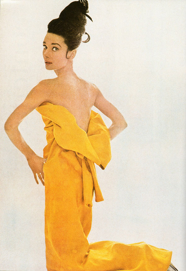 13_Audrey_Hepburn_for_Vogue_1963.jpg