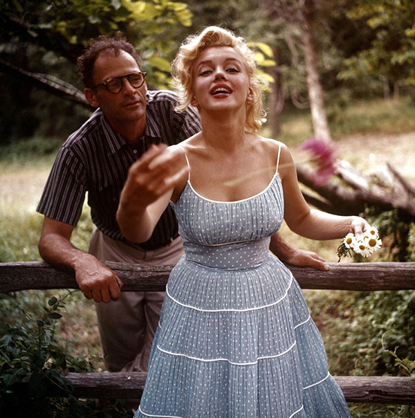 03_Marilyn_Arthur_by_sam_shaw_roxbury_1957_00.jpg