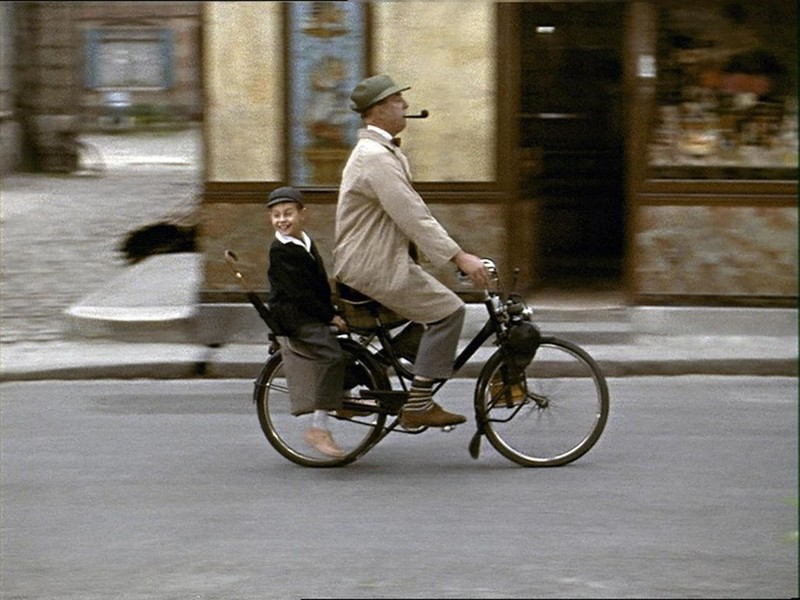 still-of-jacques-tati-in-mon-oncle-(1958)-large-picture-k4DE-U101256412209IzB-1024x768@GP-Web.jpg