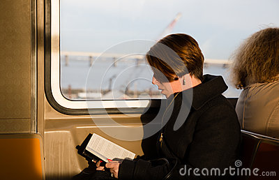 girl-reading-book-new-york-subway-wagon-usa-apr-nyc-one-oldest-most-extensive-public-72938438.jpg