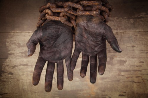 slave-hands-chained-does-the-bible-condone-slavery-e1339620140689.jpg