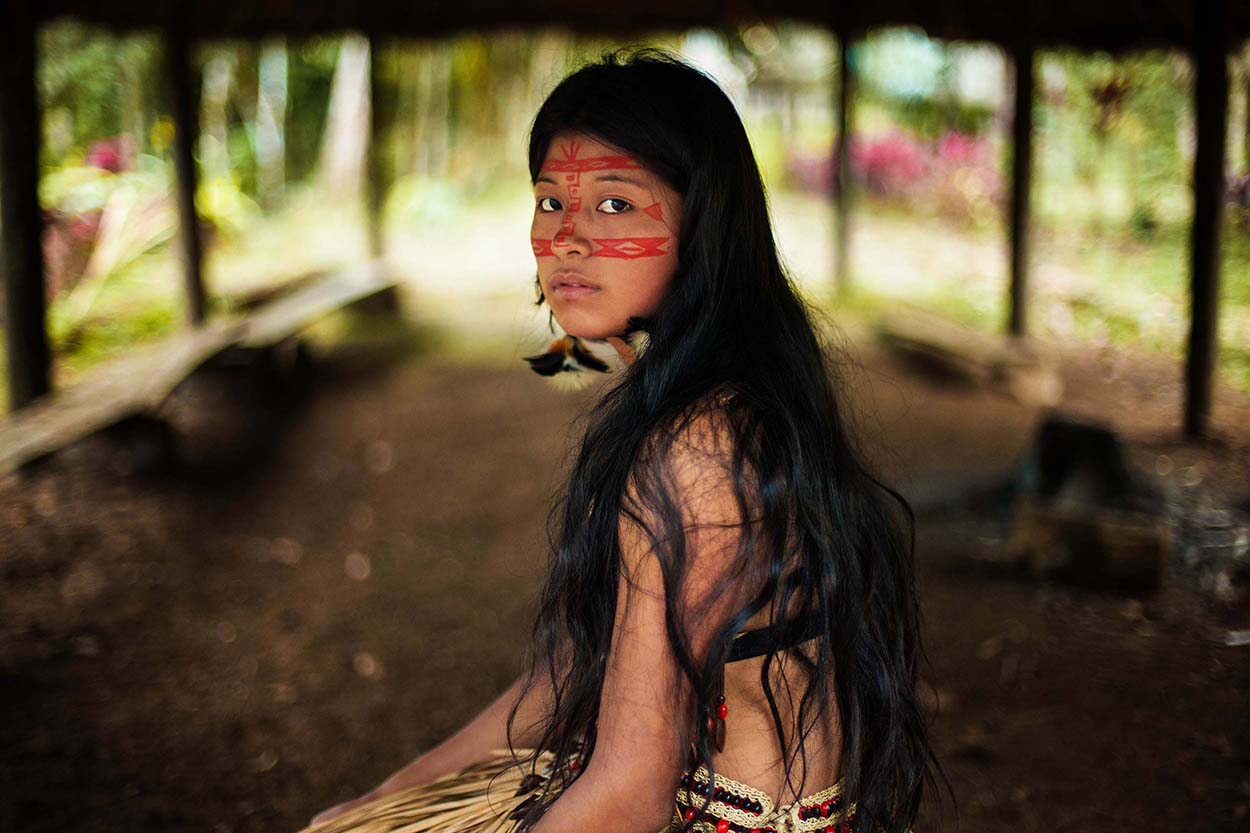Kichwa-woman-in-Amazonian-rainforest.jpg