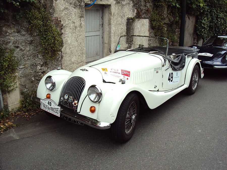 Morgan_Roadster_(2013)_-_Rallye_des_Princesses_2014_2.jpg