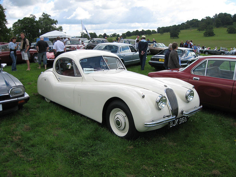 1024px-Jaguar_XK120_Fixed_Head_Coupe_(7875203836).jpg