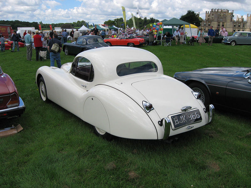 1024px-Jaguar_XK120_Fixed_Head_Coupe_(7875208984).jpg