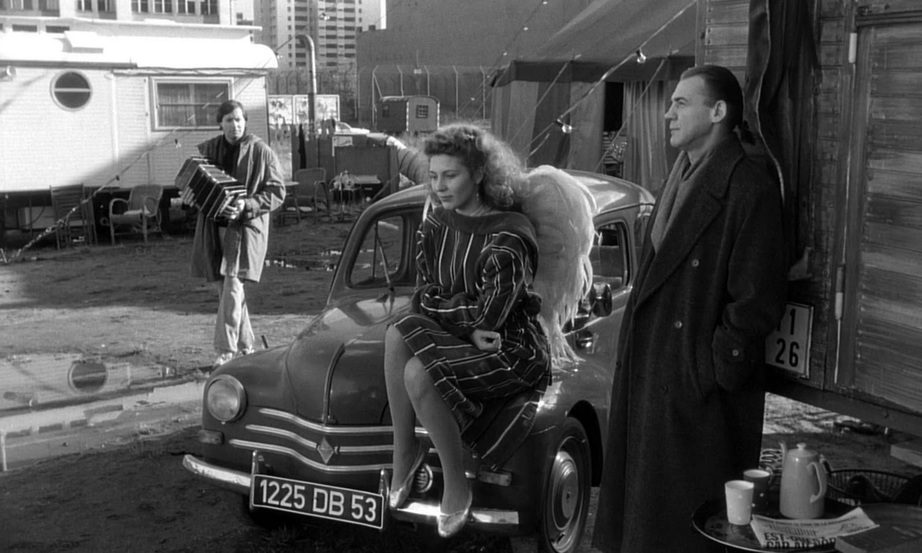 wings-of-desire-mkv_snapshot_00-29-43_2011-11-16_22-13-51.jpg