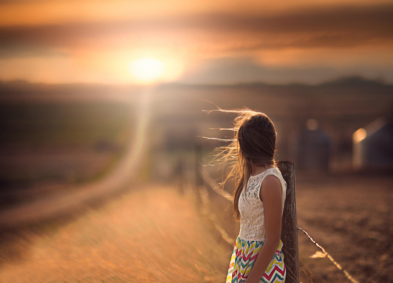 girl-road-space-bokeh.jpg