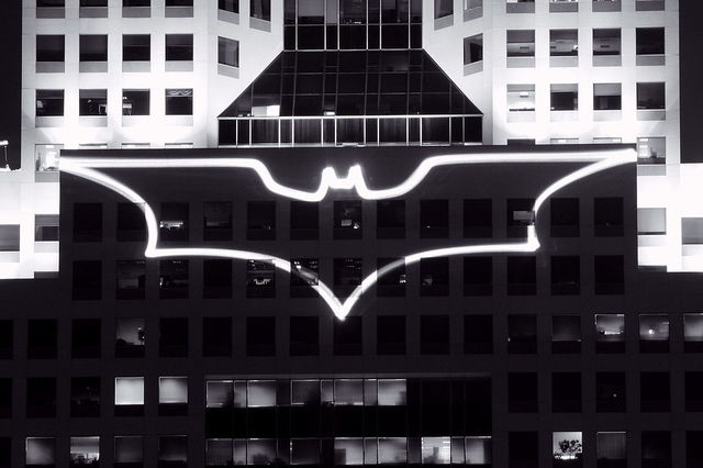 1024px-Batsignal_at_Highmark_building.jpg