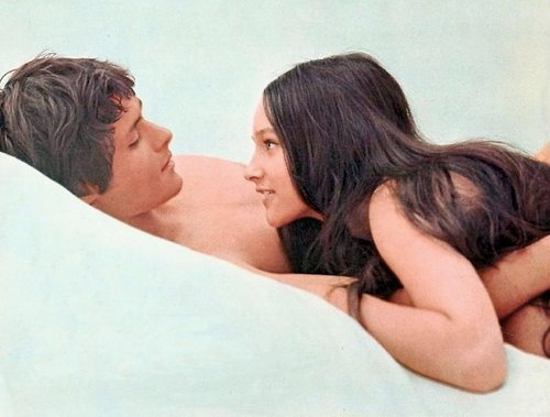 Leonard-Whiting-Olivia-Hussey-1968-romeo-and-juliet-by-franco-zeffirelli-24651236-500-379.jpg