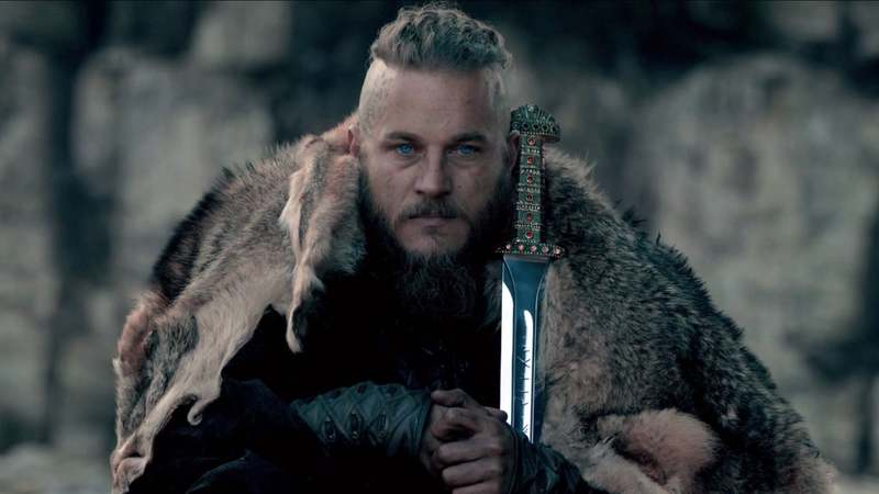 Travis-Fimmel-as-Ragnar-Lothbrok-2.jpg