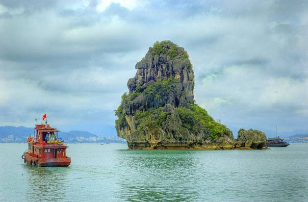 Ha Long Bay, Vietnam3.jpg