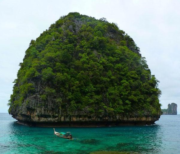 The Phi Phi Islands, Thailand4.jpg