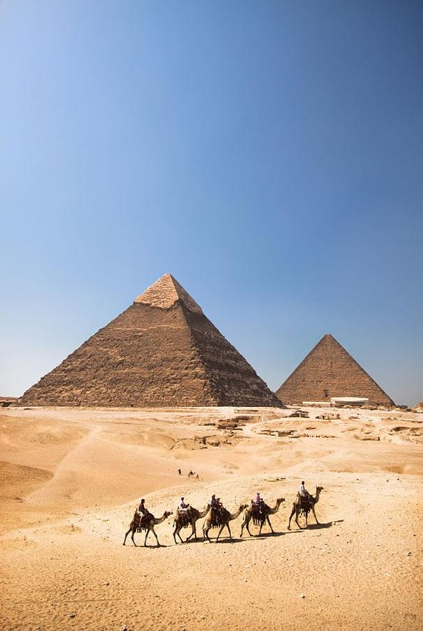 The Pyramids of Giza, Egypt1.jpg