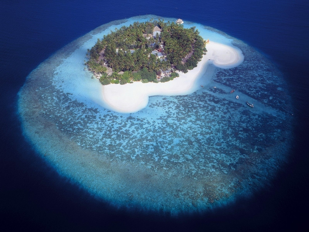 Island in the Maldives.jpg