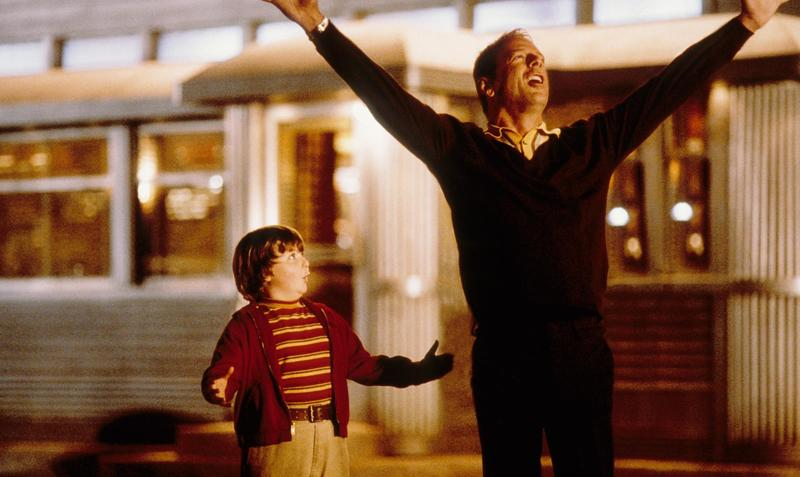 still-of-bruce-willis-and-spencer-breslin-in-the-kid-(2000)-large-picture.jpg