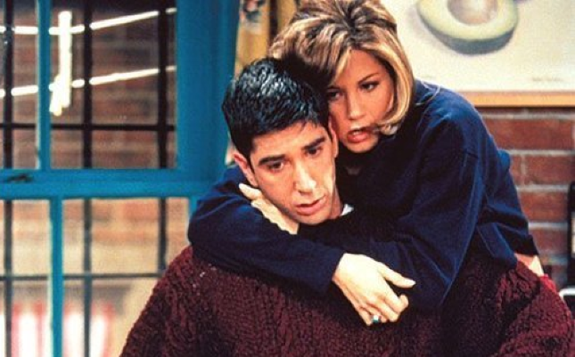 ross-and-rachel-90s-tv-couples-30701883-500-3752_2.png