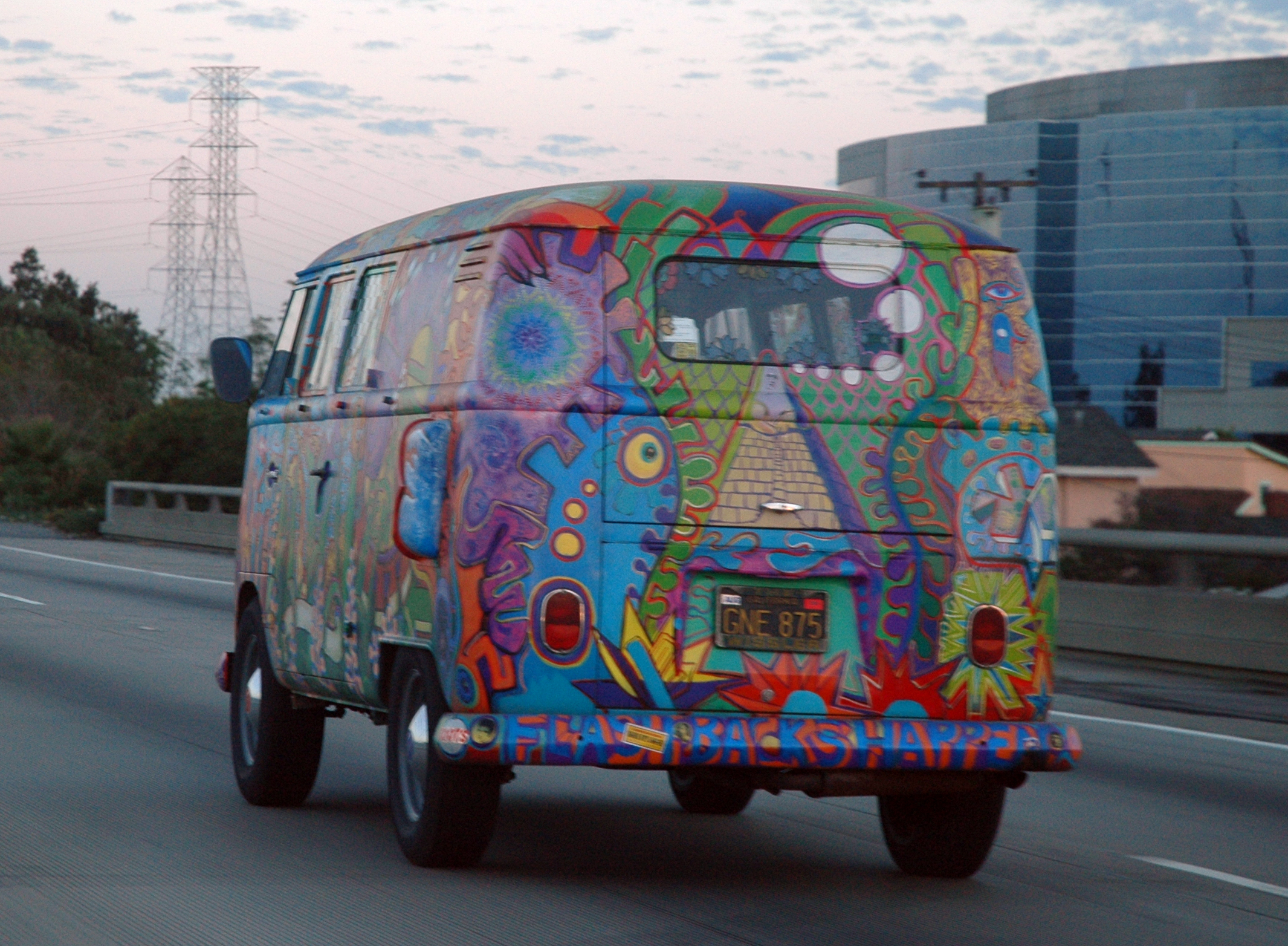 VW_Bus_T1_in_Hippie_Colors (1).jpg