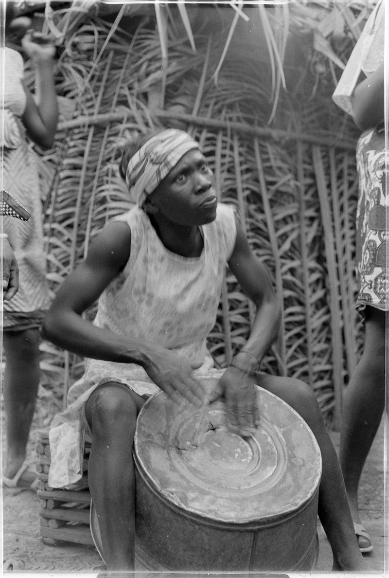 ASC_Leiden_-_Coutinho_Collection_-_1_20_-_Life_in_Canjambari,_Guinea-Bissau_-_Party_-_1973.tiff.jpg